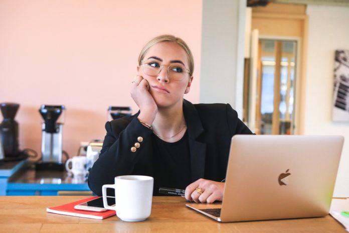 Langeweile im Job: Gründe, Tipps & Perspektiven