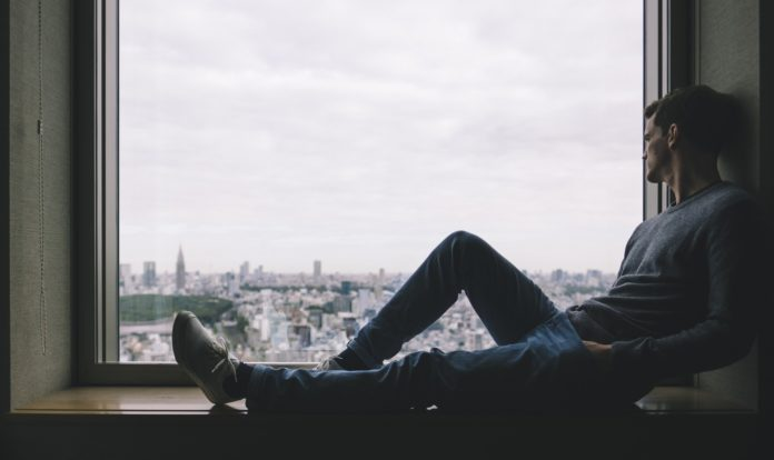 Einsamkeit im Job: Ursachen, Tipps & Lösungen